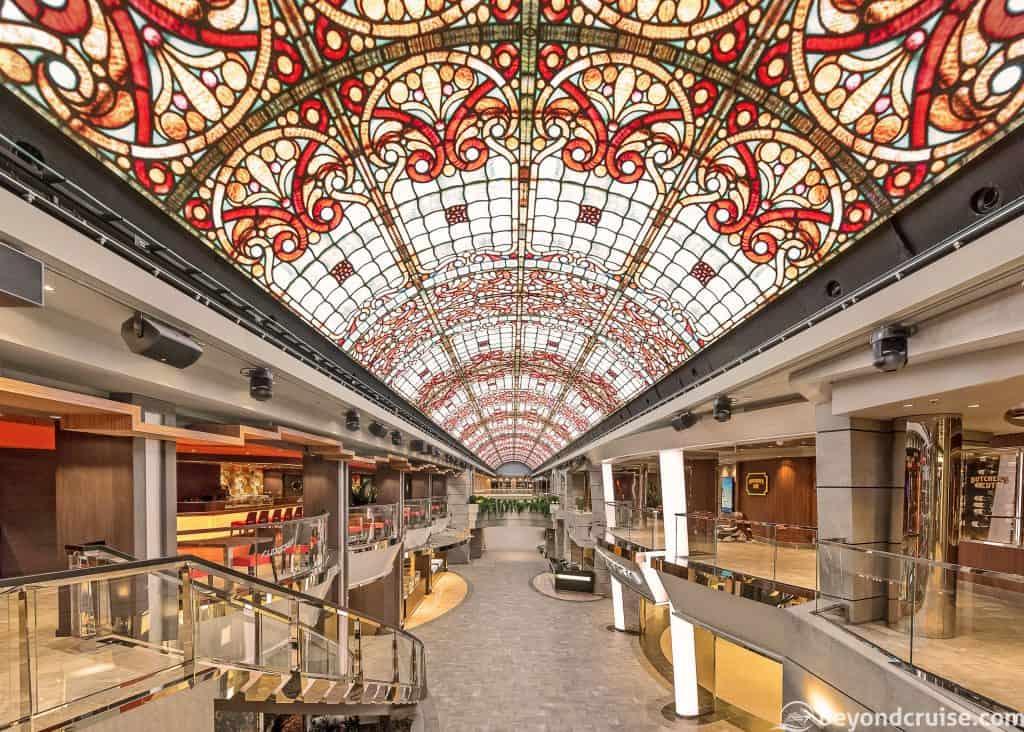 MSC Grandiosa, Extended Promenade
