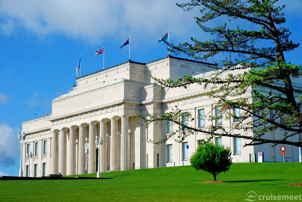 Auckland: The Auckland Museum