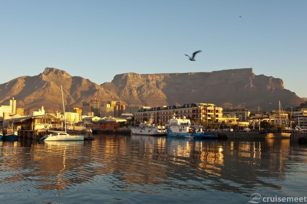 Cape Town: Table Mountain view
