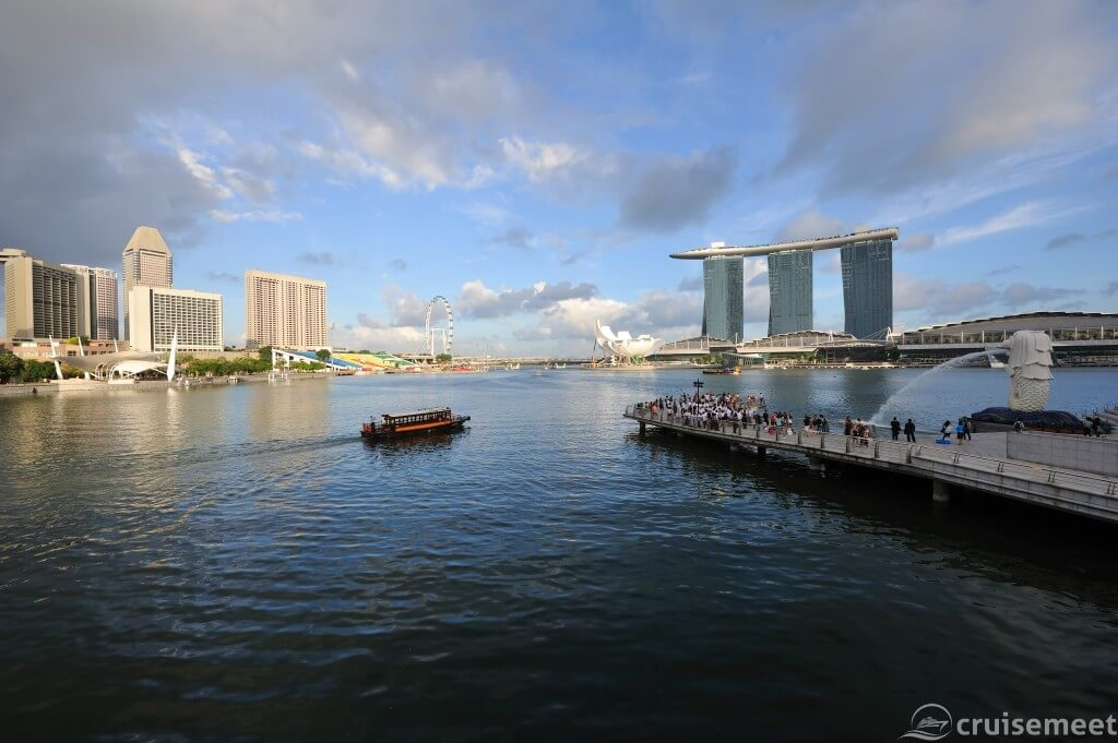 Singapore: Another view of the business district skyline