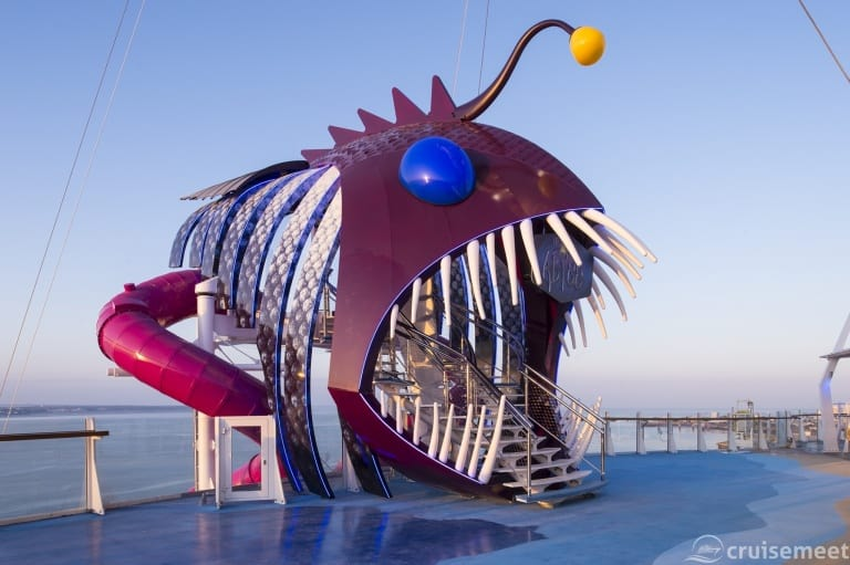 Harmony of the Seas: The Ultimate Abyss slide in detail