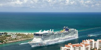 Norwegian Cruise Line - Norwegian EPIC approaching Miami