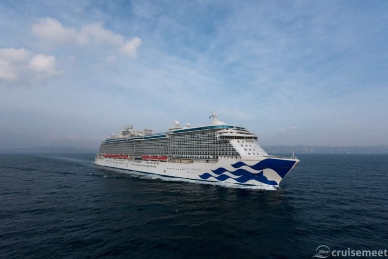 Princess Cruises orders two new ships